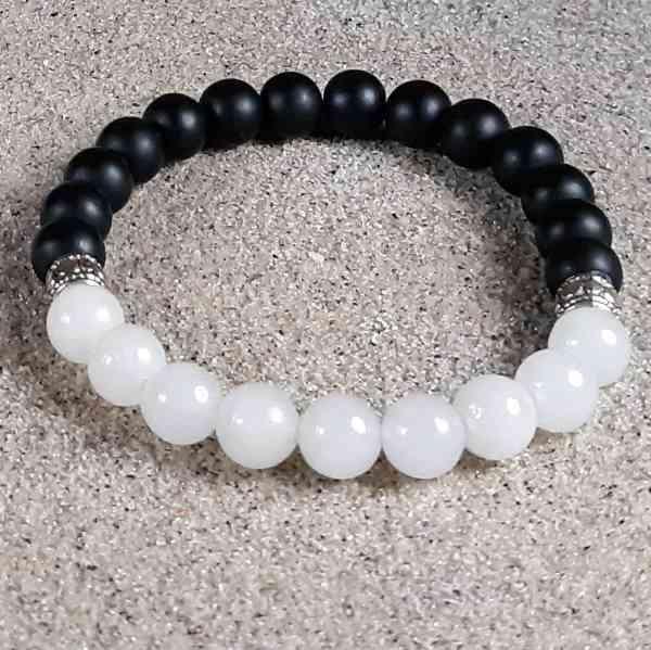 Snow Quartz & Black Onyx Healing Energy Stretch Bracelet